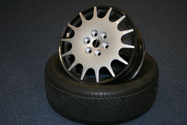 Superbus Wheel & Tyre